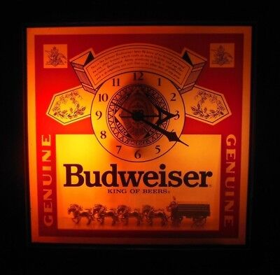Vintage Budweiser Lighted Clock Beer Sign With The Clydesdale Horses