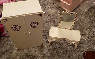 vintage sindy wardrobe and dressing table