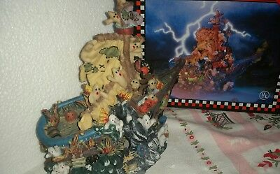 irates Lighted Halloween Village Porcelain Spooky Hollow  (Haunted Ghost Ship Halloween)