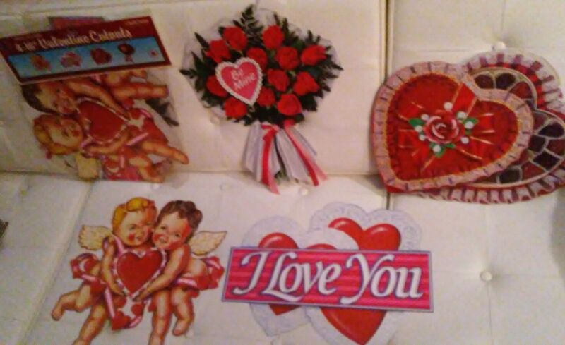 """1990 Beistle Creation no. 77032 VALENTINE  CUTOUTS PACKAGED 4 PC 16"""" DECORATIONS"""