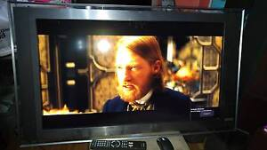 FULL HD SONY BRAVIA KDL-40XBR LCD TV 40 inch with 2 issues Chatswood Willoughby Area Preview