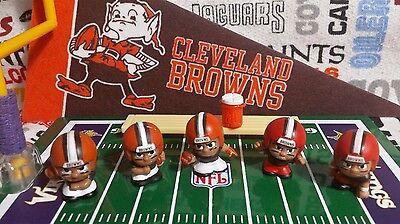 7-piece NFL Teenymates Cleveland Browns figure & accessory set (Browns Cleveland Browns Accessories)