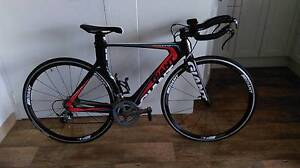 Giant Trinity Composite Triathalon Time Trial bike Newcastle Newcastle Area Preview