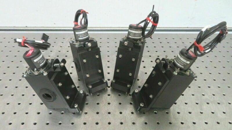 C174443 Lot 4 Hamamatsu R1477-05 PMT Photomultiplier Tube w/ HC123-01 Sockets