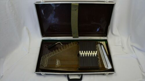Vintage Autoharp Oscar Schmidt USA 36 Strings 15 Chords Case Excellent Cond (3)