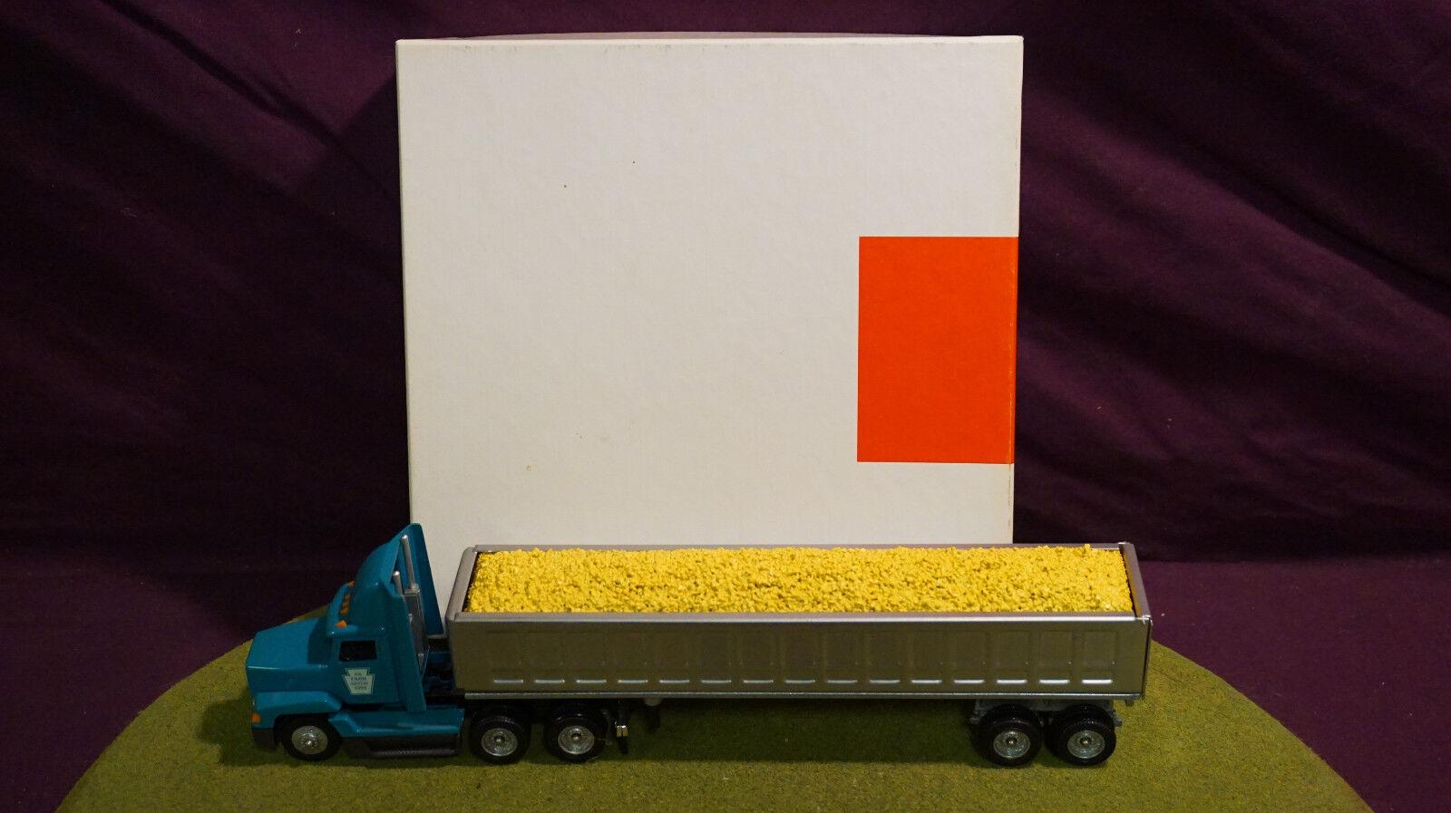 Winross Diecast 1/64 Scale Truck PA. Farm Show 83rd 1999 dump Tralier.