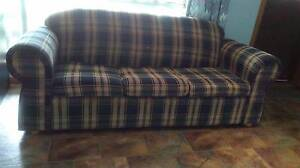 Sofa/Fold out Bed Munno Para West Playford Area Preview