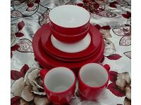 Very good quality and almost new 36 piece dinner set