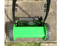 Manual Push Lawn Mower in excellent condition