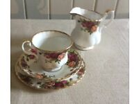Original Old Country Roses trio of cup/saucer/plate