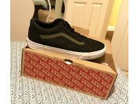 Vans Old Skool Mesh Black size 11 - excellent condition