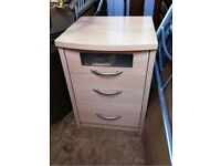 QUALITY BEECH MAPLE WOODEN BED SIDE TABLE LOCKER 3 DRAWER UNITS