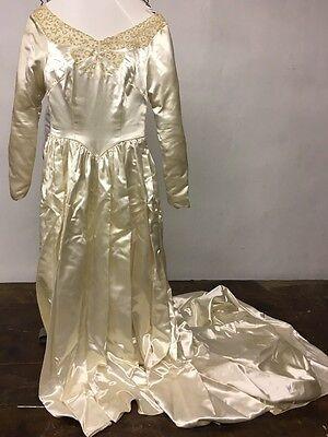 Vintage 1960s Embroidered Satin Wedding Dress Size 8 Maurice Original Veil Long