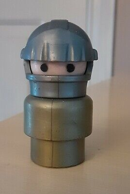 Vintage Fisher Price little people gray/silver knight in armor - Castle 993