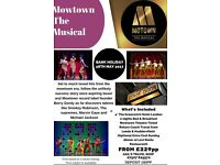 Mowtown The Musical Theatre break