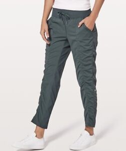 In search of a LARGE LULULEMON LOT sz 4
