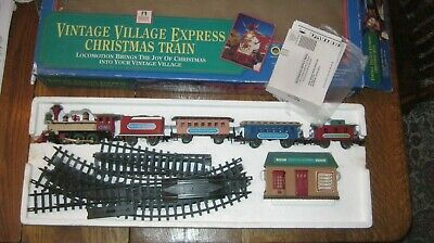 New Bright Vintage Village Express Christmas Train Set Battery Operated in Box