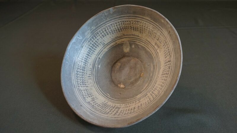 Very Fine Korean Joseon Dynasty PunChong Stoneware Bowl