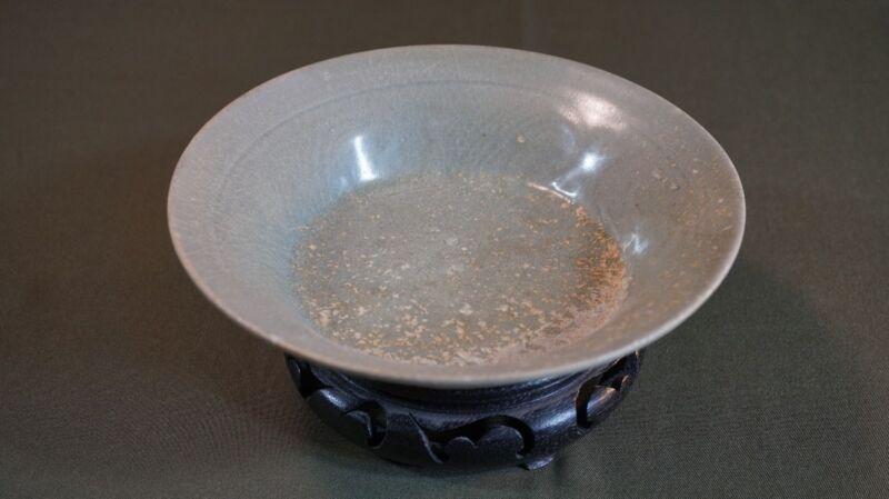 Very Fine Korean Koryo Dynasty Crackle Celadon Bowl 11th ~ 13th Century