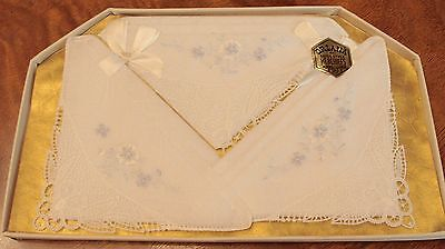 NOS GIFT BOXED SET OF 3 ORLANA EMBROIDERED & LACE CORNER WHITE HANKIES