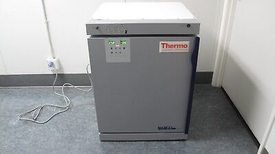 Thermo Napco Model 3550 Water-jacketed Co2 Incubator