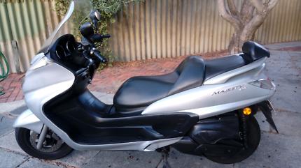 Yamaha Majesty 400 Scooter