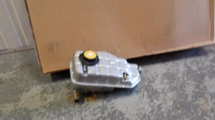 VY V8 radiator & header tank