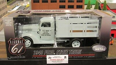 RARE DCP 50321 HIGHWAY HWY 61 U.S NAVY 1940 FORD STAKE FLAT BED TRUCK 1:16/CL