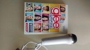 Wii Glee Karaoke revolution game and microphone