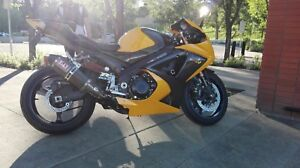 Gsxr1000 cc , amazing condition yellow metallic