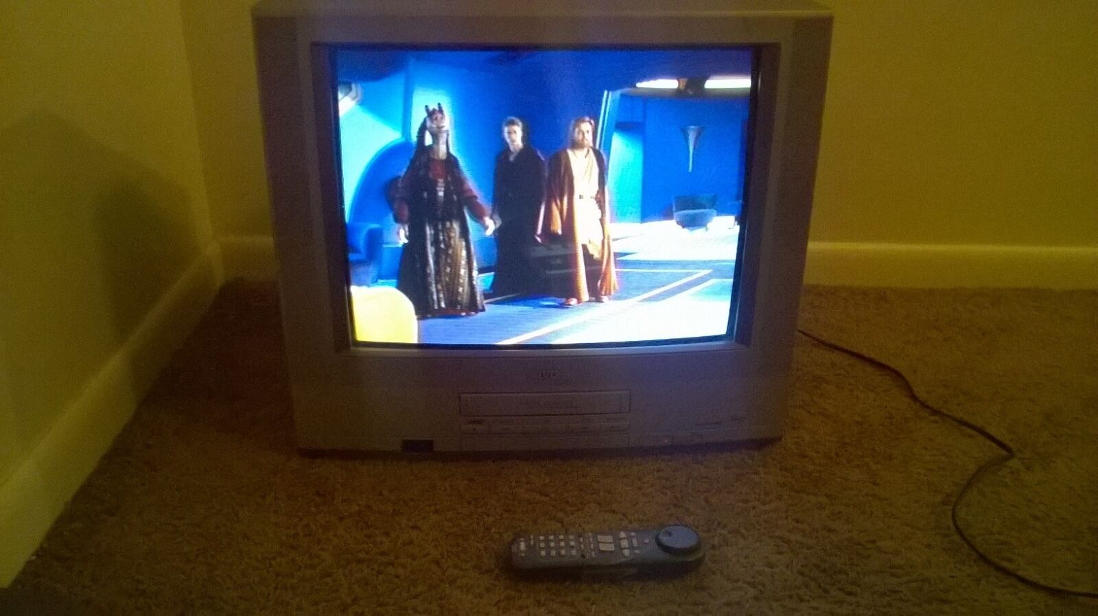 """JVC TV/VCR COMBO 20"""" REMOTE INCLUDED."""