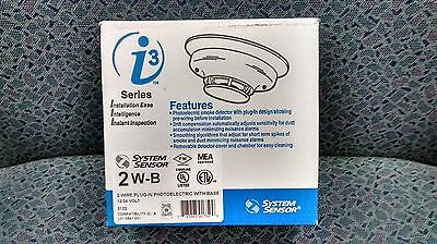 Smoke Detector 1224 Vdc Photoelectric. System Sensor Model 2w-b