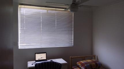 Immediate lease tranfer 1 bedroom unit in 2 alice st Coburg