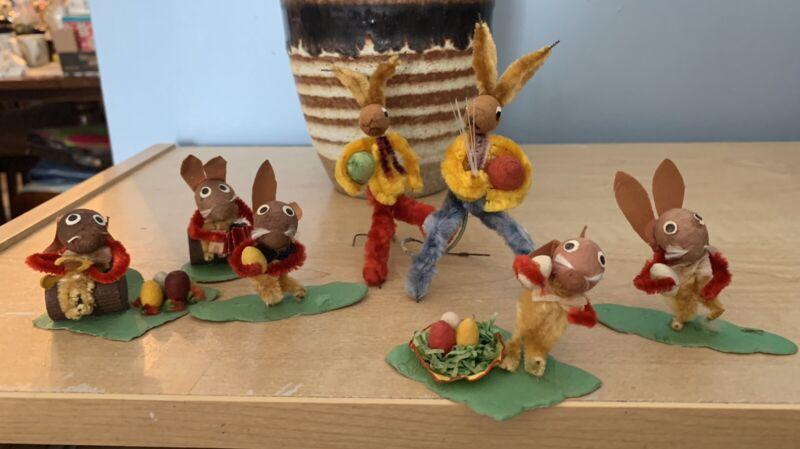 Vintage Vroom & Dreesman Chenille Easter Pipe Cleaner Bunnies
