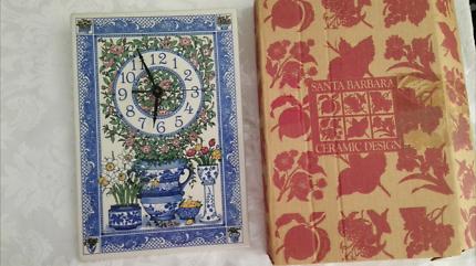 SANTA BARBARA ceramic design clock Floral Blue Vases Vintage NIB