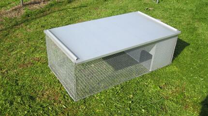 4ft Rabbit Hutch - Bonwick Emu Plains Penrith Area Preview