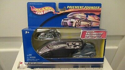 Hot Wheels PAVEMENT POUNDER with SCORCHIN
