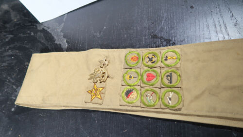 r Boy Scouts EARLY Type A Merit Badge Sash Lot of 9 merits and other Insignia