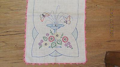 ( Vintage Embroidered Dresser scarf ~ Table Runner 39
