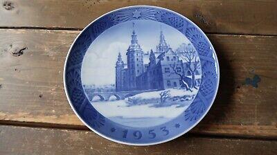 Royal Copenhagen 1953 Christmas Plate