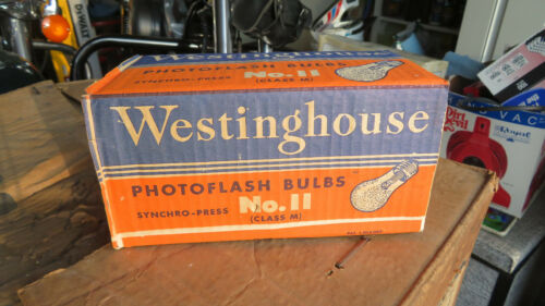 Vintage Westinghouse #11 Synchro-Press Photo Flash Bulbs Pack of 8