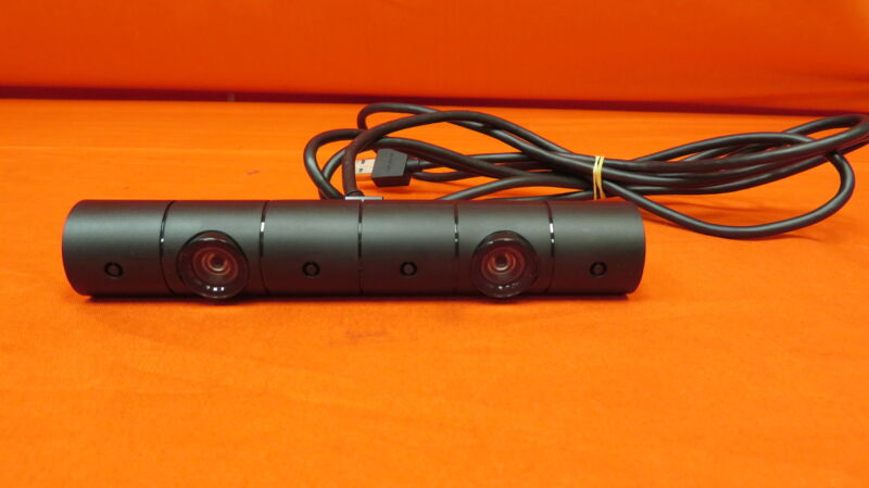 Sony CUH-ZEY2 Motion Camera For PlayStation 4 PS4 Very Good 5317