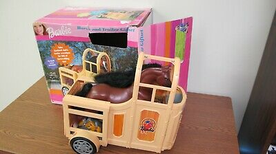 2000 Mattel Barbie Horse and Trailer Gift Set