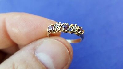 Vtg Estate Jewelry Solid 10K Karat Yellow Gold Red Gemstone Ring Band Size 6 25
