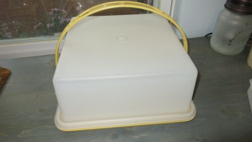 Vintage Tupperware 1242 Square Cake Carrier w/Handle 11x11x5 Yellow Storage Tray