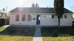 GREAT 2 BEDROOM,1 BATHROOM BUNGALOW WITH LARGE YARD