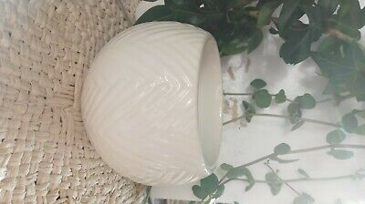 yankee candle wax warmer : off white, chevron textured, ceramic, electronic