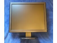 """17"""" LCD monitor with multiple inputs to double as CCTV screen (HDMI, VGA, BNC!)"""
