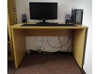 Large Office/Computer Desk (Oak Effect)