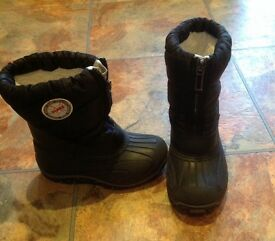 Children's olang snow boots size 25/26 (uk size 8/9)